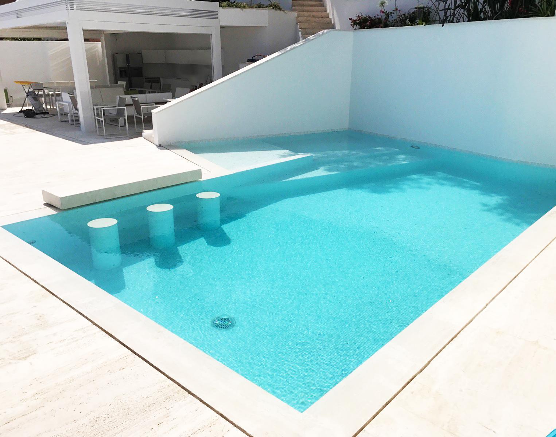 Construction de piscine vers Nice bassin miroir et mur de soutènement de 4 mètres de haut