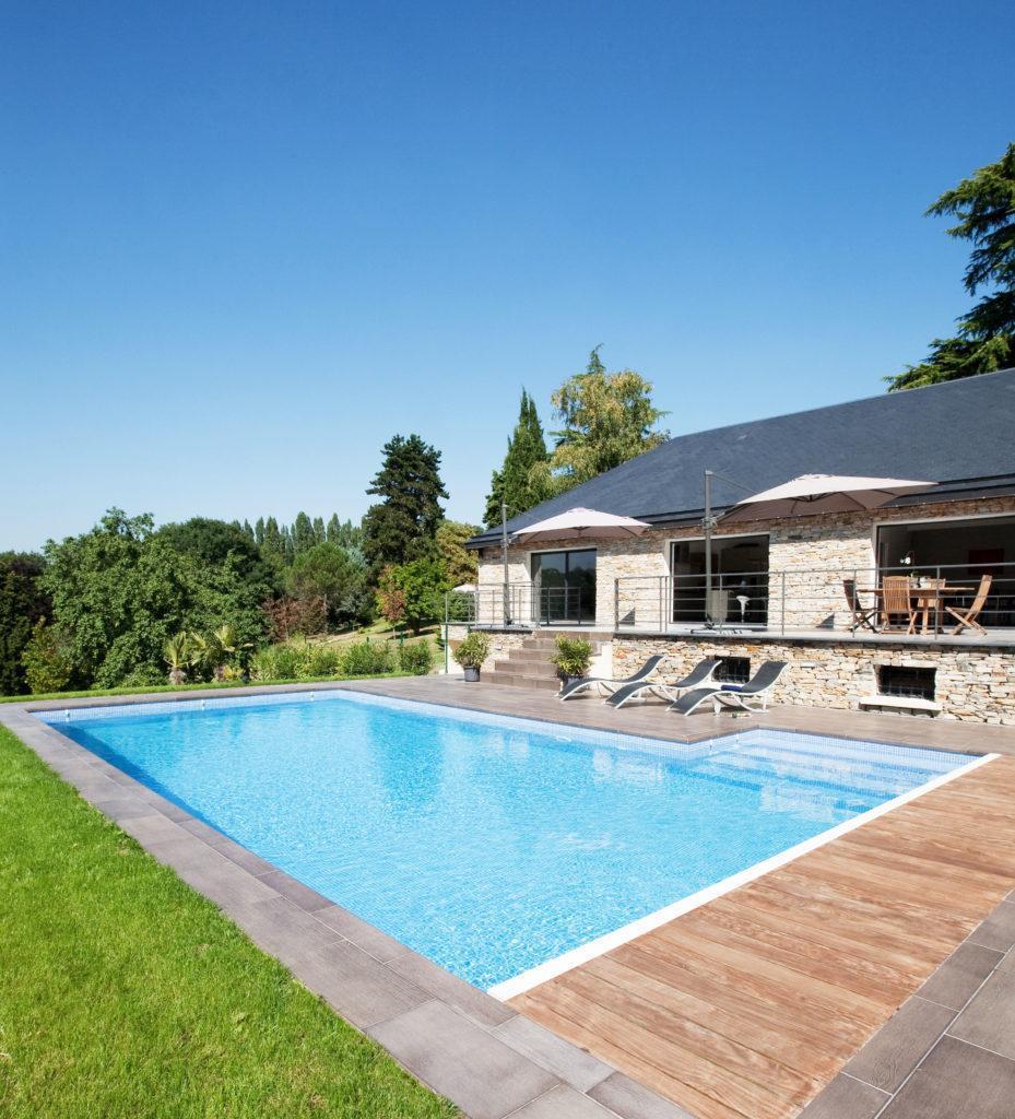 piscine avec volet de protection en monobloc